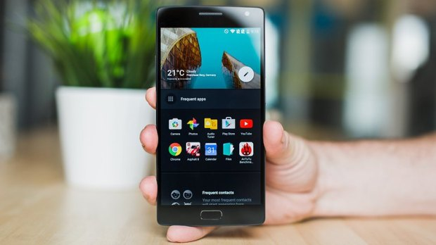 AndroidPIT-OnePlus-2-shelf-w782